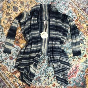 Knox Rose | NWT Striped Sweater Size Small